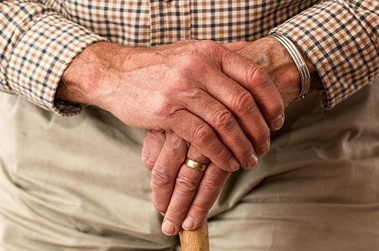 Nutzen Sie unsere Pflegehilfsmittel-Beratung in unseren Niederlassungen oder zu Hause